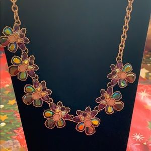 Color statement necklace